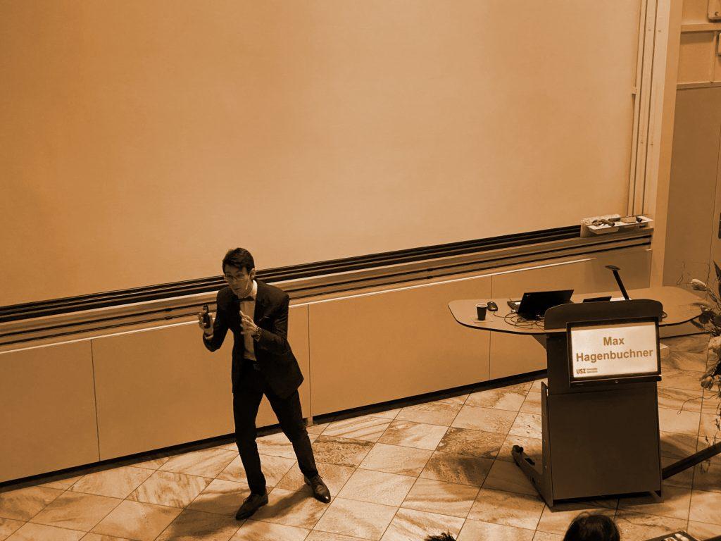 Max Hagenbuchner bei Vortrag